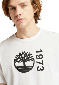 Timberland - SS BRANDED - Print T-shirt - white - 3