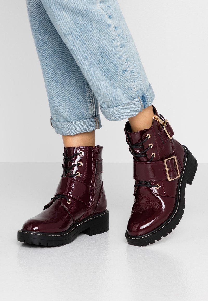 New Look - BUSY - Cowboy/biker ankle boot - dark red