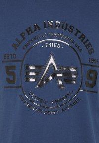 Alpha Industries - AUTHENTIC VINYL  - Triko spotiskem - new navy - 2