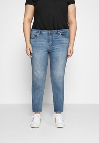 ONLY Carmakoma - CARFONA LIFE - Jeans Skinny - light blue denim - 0