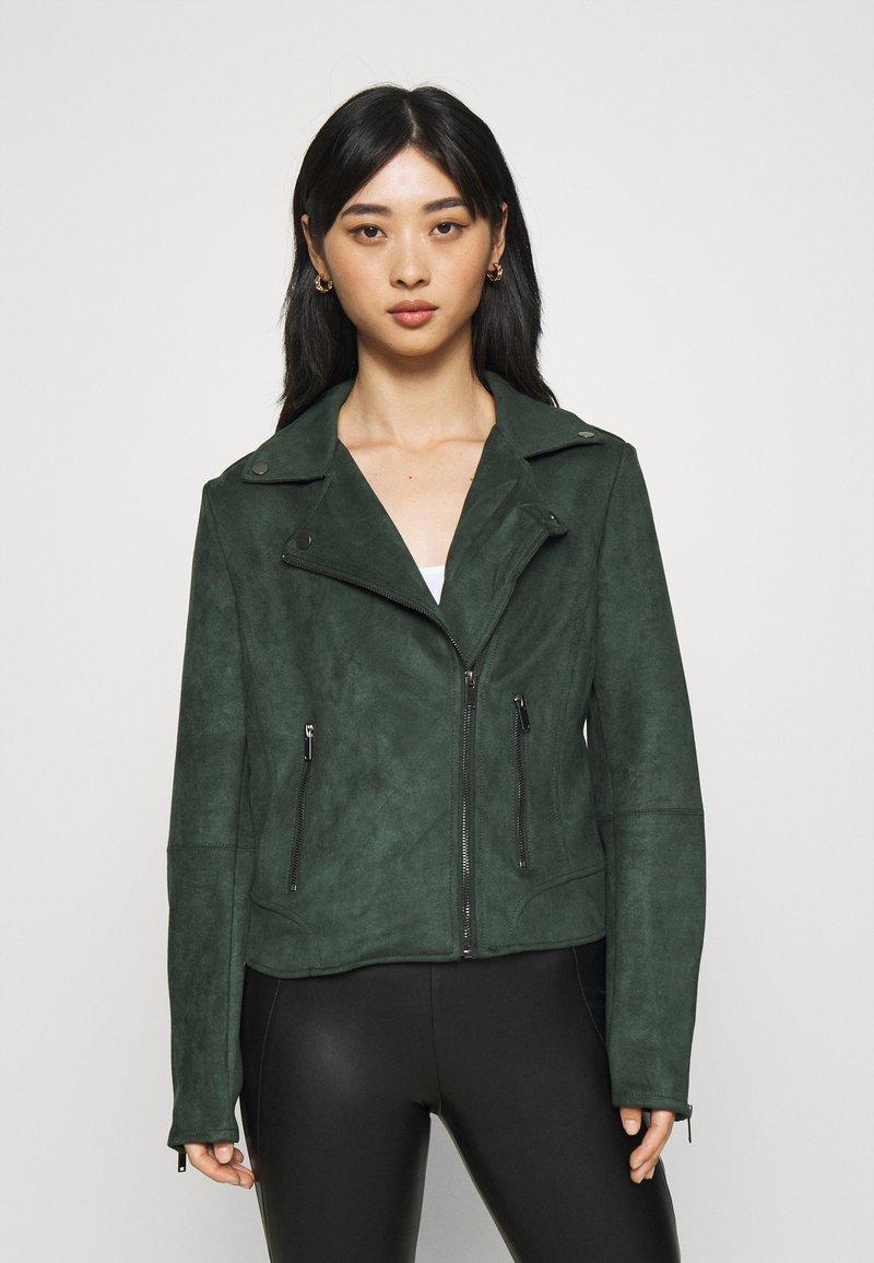 VILA PETITE - VIFADDY JACKET - Faux leather jacket - darkest spruce