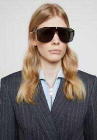 Gucci - Sunglasses - gold/black/grey - 3