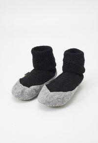 FALKE - COSYSHOE - Socks - anthracite melange - 0