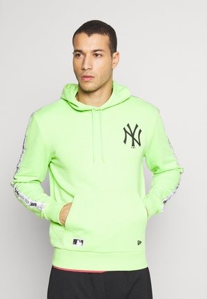 MLB TAPING HOODY NEW YORK YANKEES - Klubové oblečení - light green