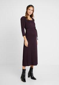 Dorothy Perkins Maternity - BERRY MOLLY DRESS - Robe en jersey - purple - 0