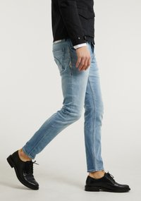 CHASIN' - Slim fit jeans - light blue - 3