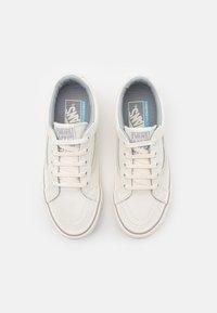 Vans - SK8 REISSUE UNISEX - Skate shoes - leila/white - 3