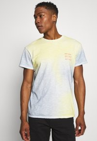 Jack & Jones - JORSOAP TEE CREW NECK - Camiseta estampada - ashley blue - 0