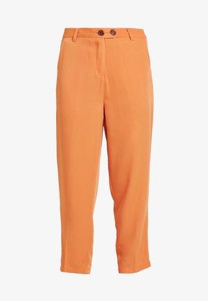 SAFFRON  - Pantalones - orange