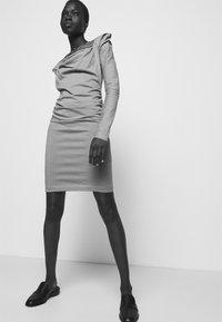 Vivienne Westwood - ELIZABETH DRESS - Jersey dress - dusty pink - 3