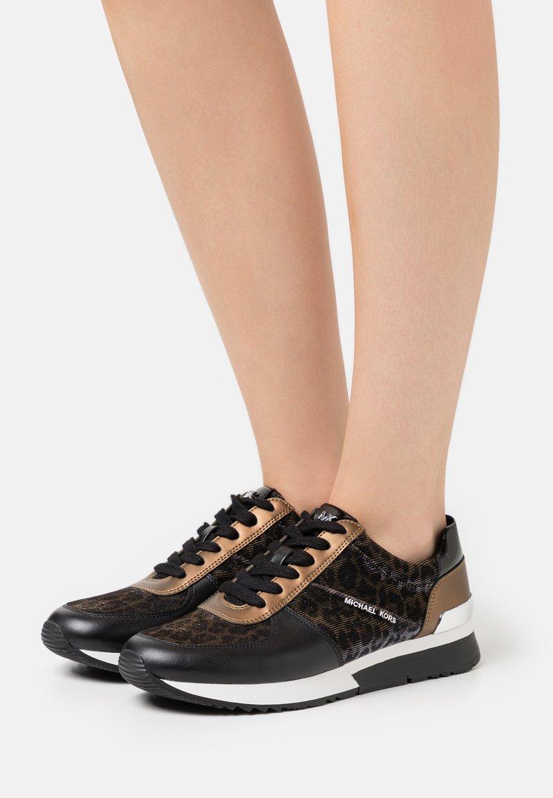MICHAEL Michael Kors - ALLIE TRAINER - Zapatillas - black/bronze