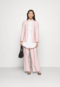 Mossman - THE NATURAL PANT - Kalhoty - pink - 1