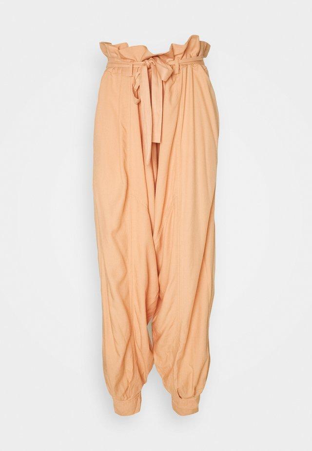 WADE AWAY HAREM - Bukse - med orange