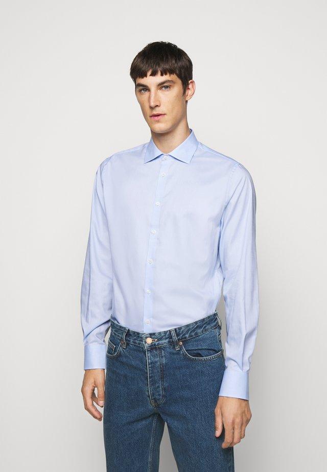 DANIEL NON-IRON - Koszula biznesowa - light blue