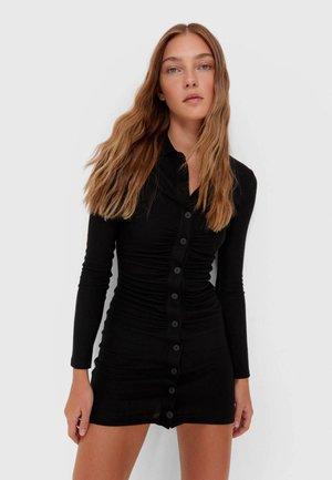 MIT RAFFUNG - Sukienka etui - black