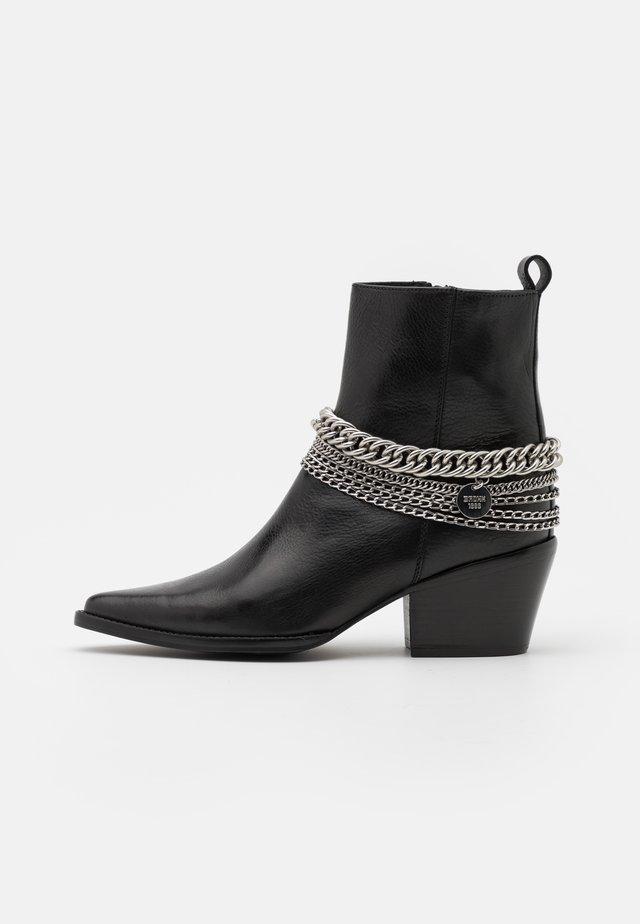 JUKESON - Cowboy/biker ankle boot - black