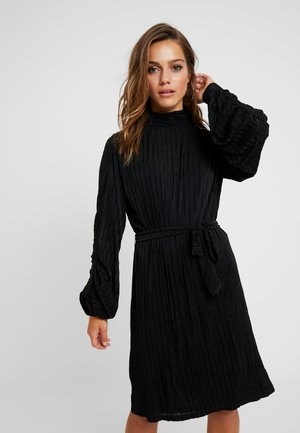 OBJJULIE DRESS PETIT - Jersey dress - black