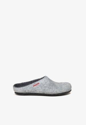 Slippers - light grey