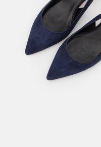 WEEKEND MaxMara - VACILLO - Classic heels - nachtblau - 6