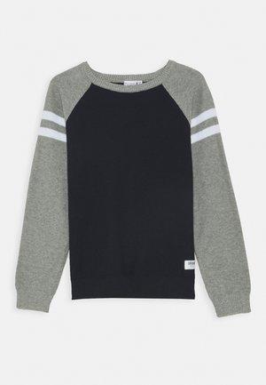 NKMVUSPER - Trui - grey melange
