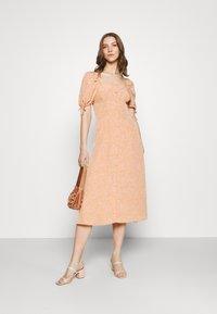 Fashion Union - BIATRRITZ DRESS - Shirt dress - bandana - 1
