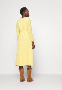 Lauren Ralph Lauren - PRINTED DRESS - Denní šaty - true marigold - 2