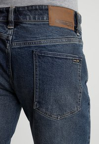 Volcom - VORTA - Straight leg jeans - dry vintage - 4