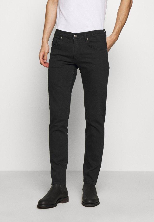 JAY SOLID - Jeans slim fit - black