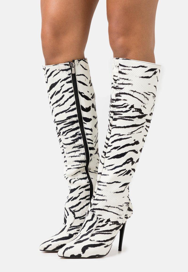 Trendyol - Kozačky na vysokém podpatku - white