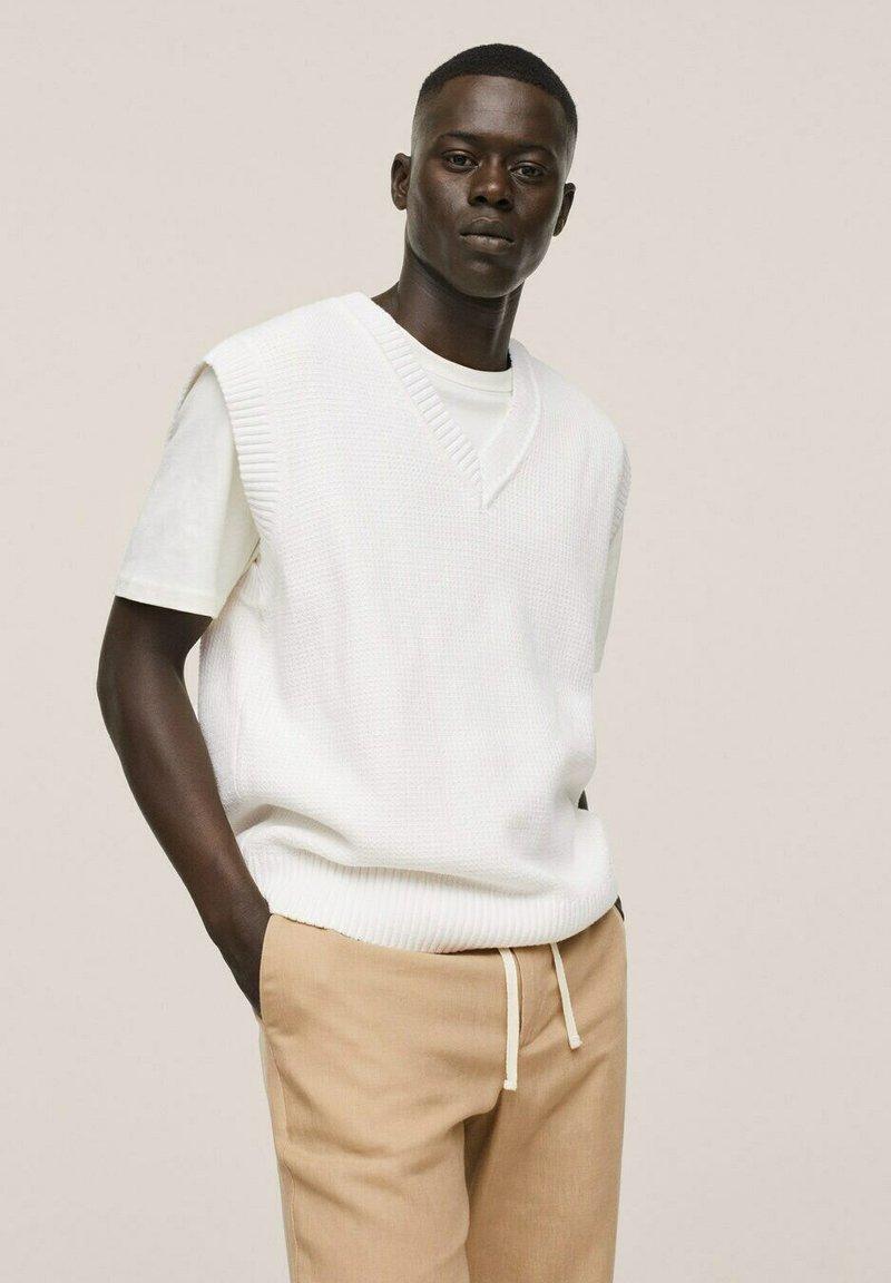 Mango - PUNTO ESTRUCTURA - Stickad tröja - blanco roto