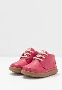 Camper - BRYN - Dětské boty - pink - 3