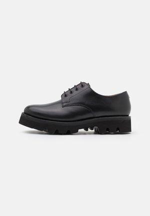 LANDON - Zapatos de vestir - black