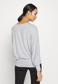 New Look - DEEP HEM BATWING - Jersey de punto - light grey - 2