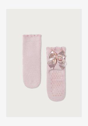MIT DISNEY-MUSTER - Socks - fiore cameo rosa