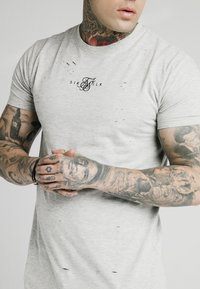 SIKSILK - DISTRESSED BOX TEE - Print T-shirt - grey marl - 4