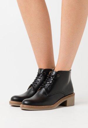 OXIGENION - Kotníková obuv - black