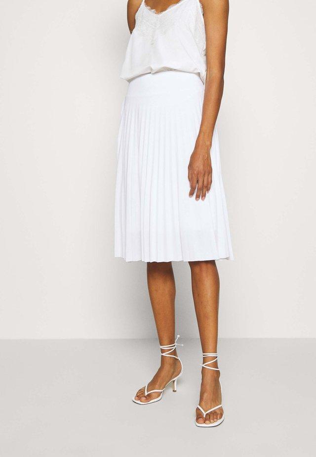 Plisse A-line mini skirt - Falda acampanada - white
