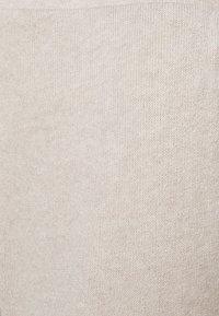 Pieces Petite - PCLEODA WIDE PANT - Trousers - birch/melange - 2