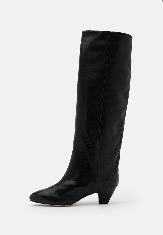 KATERINA - Klassiska stövlar - black