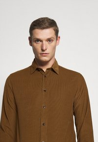 Selected Homme - SLHREGHENLEY CAMP - Shirt - breen - 4