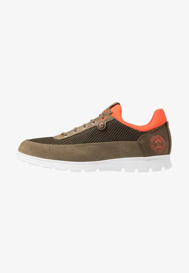 DAVOR - Sneakers laag - khaki
