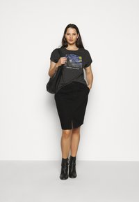 Dorothy Perkins Curve - CURVEBLACK MIDI SKIRT - Pencil skirt - black - 1