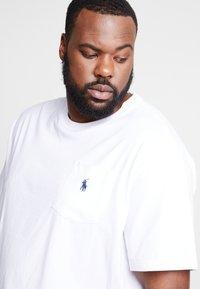 Polo Ralph Lauren Big & Tall - CLASSIC - Basic T-shirt - white - 4