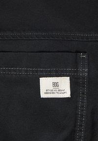 BDG Urban Outfitters - JARED HOODED JACKET - Denim jacket - black - 6