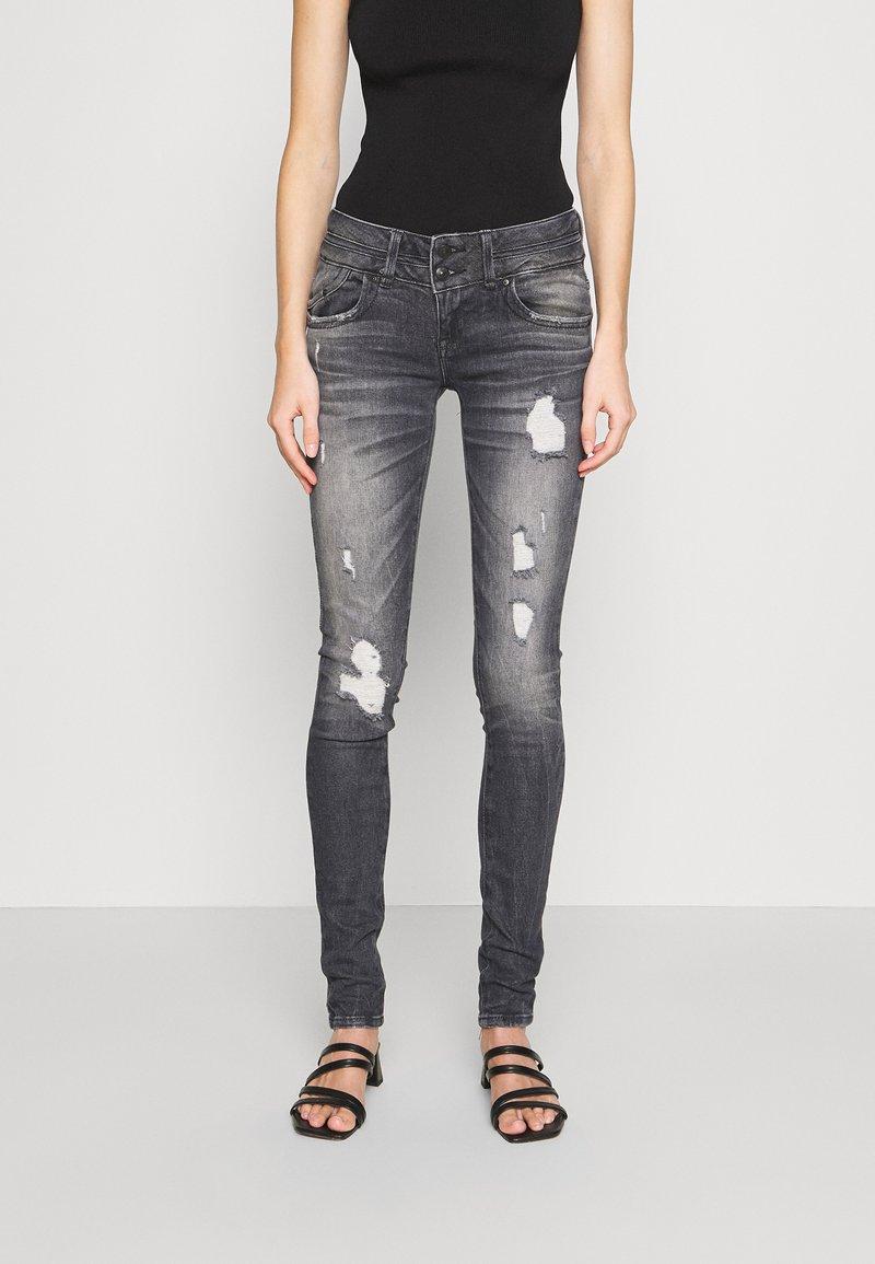 LTB - JULITA - Jeans Skinny Fit - hevia wash