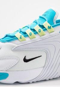 Nike Sportswear - ZOOM 2K - Baskets basses - blue fury/black/white/limelight - 2