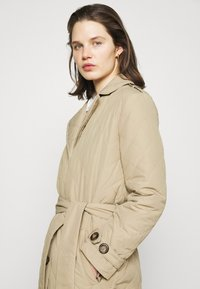 Freequent - URBAN - Classic coat - beige sand - 3