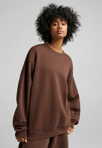 Bershka - OVERSIZED - Sweatshirt - brown - 1