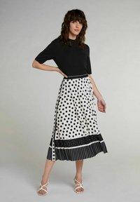 Oui - A-line skirt - offwhite black - 1