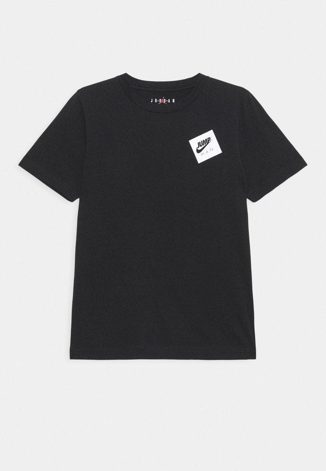 JUMPMAN STACK CLASSIC TEE UNISEX - T-Shirt print - black